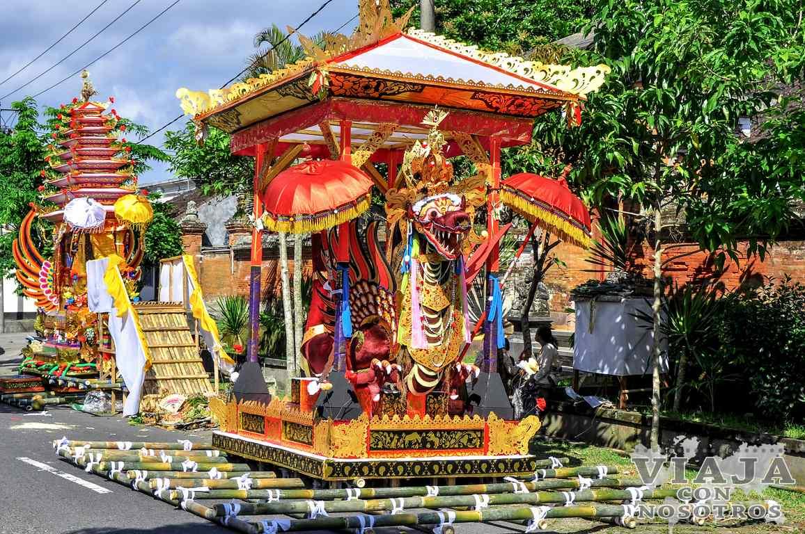 Carrozas funerarias de Bali