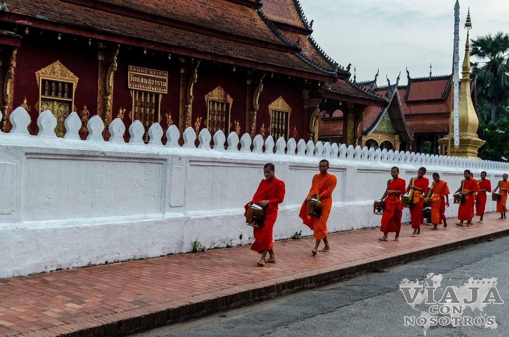 ceremonia monjes luang prabang