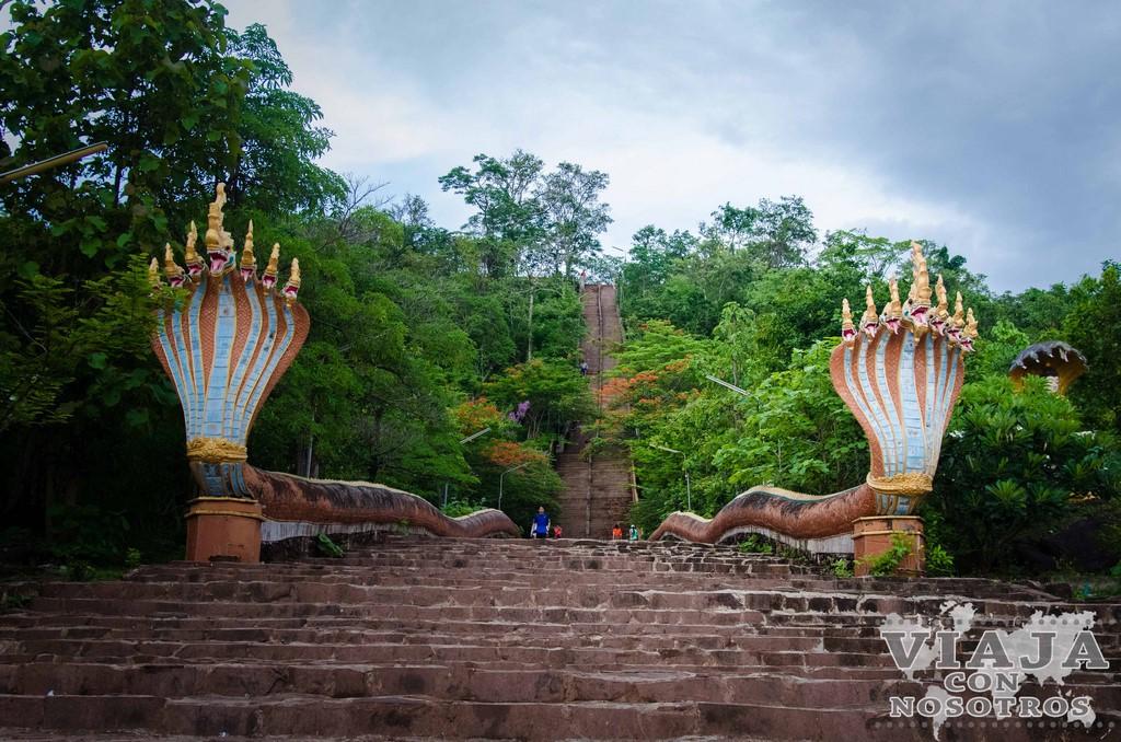 golden buddha de pakse