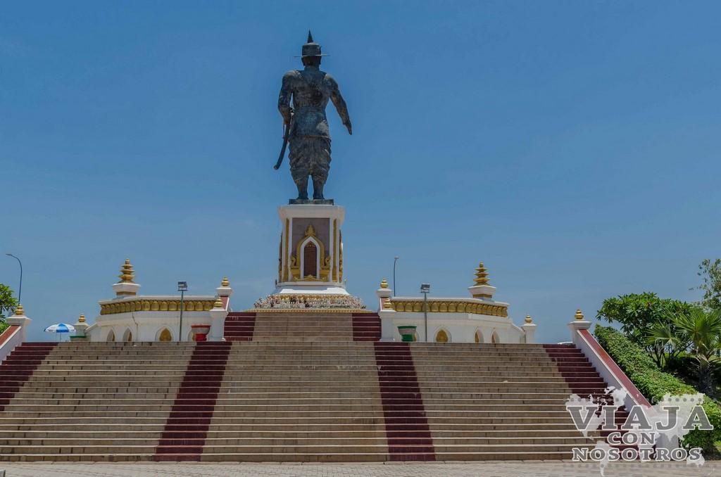stupa black That Dam vientiene
