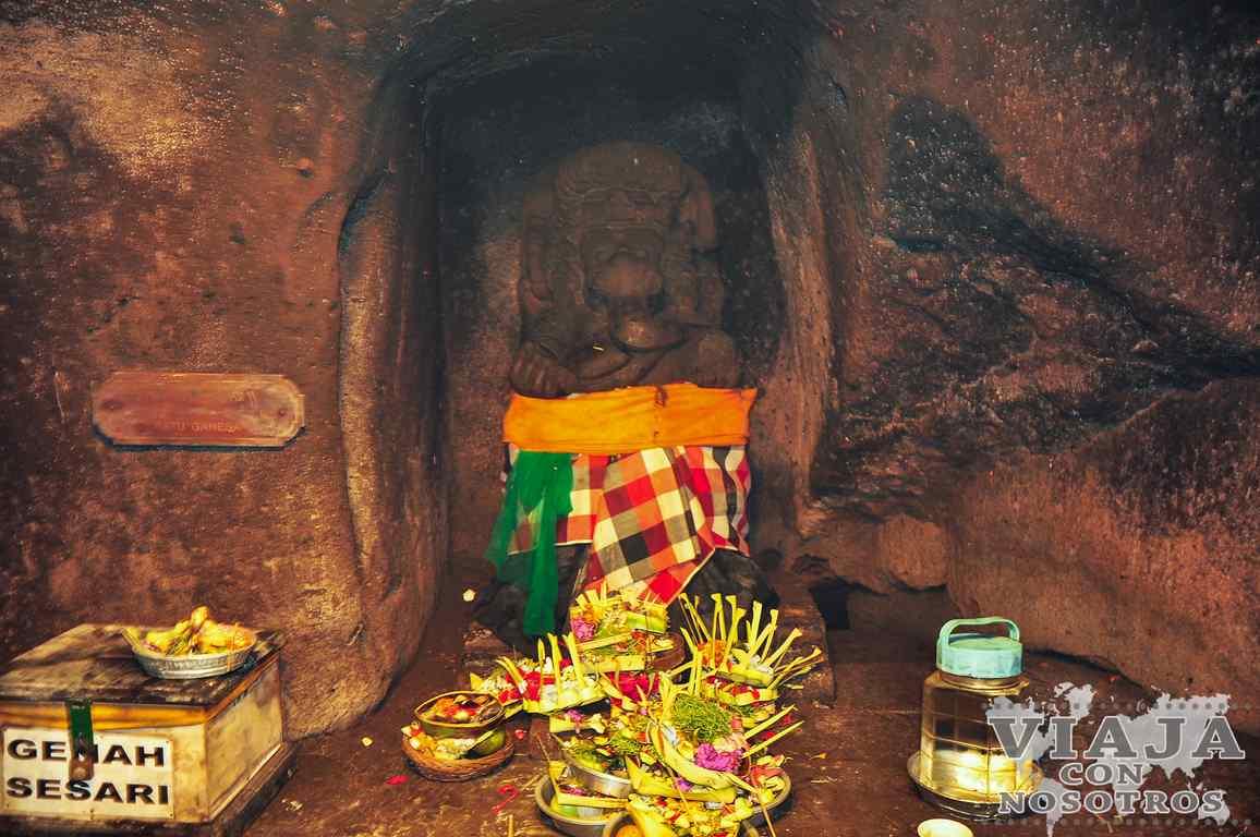 Como visitar el Templo del Elefante Goagajah