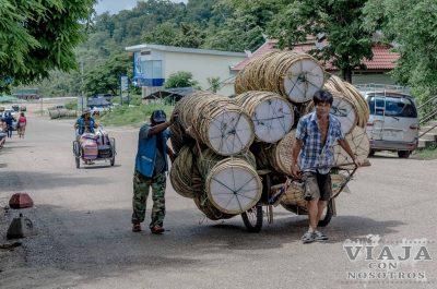como cruzar la frontera de tailandia y laos