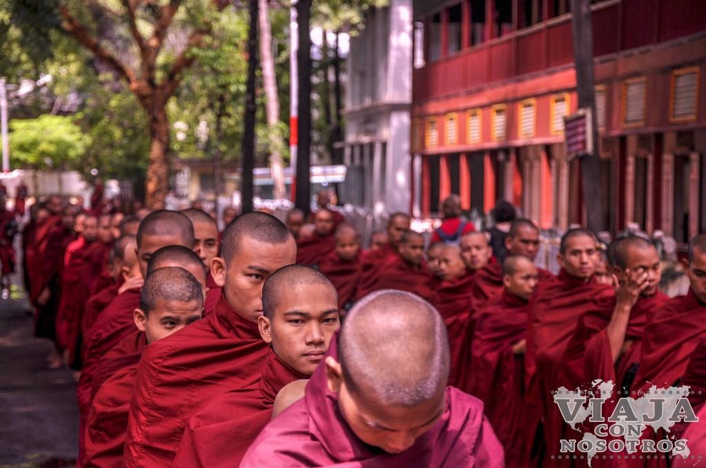 Monasterio Mahagandayon en Mandalay