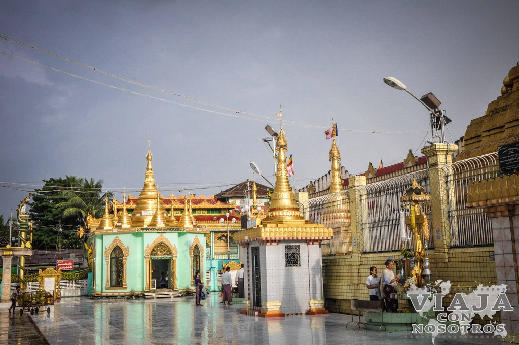El Templo Chauk Htat Gyi de Yangon