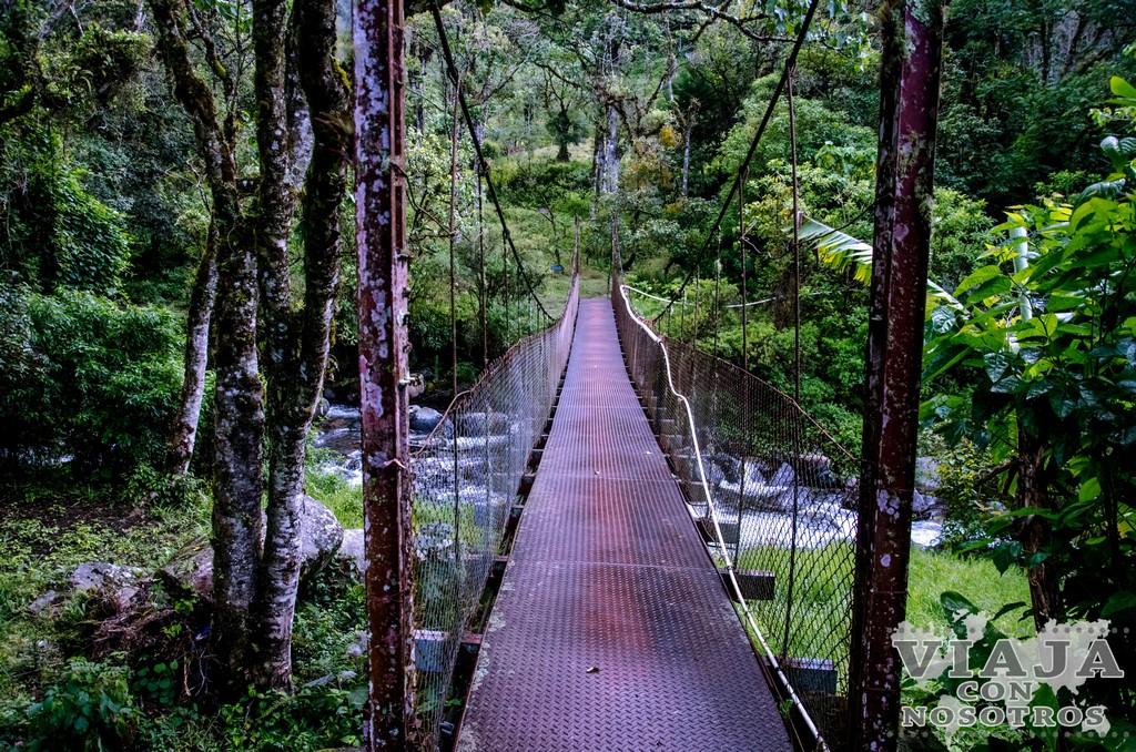 Sendero de las tres Cascadas escondidas o The Lost Waterfalls por tu cuenta