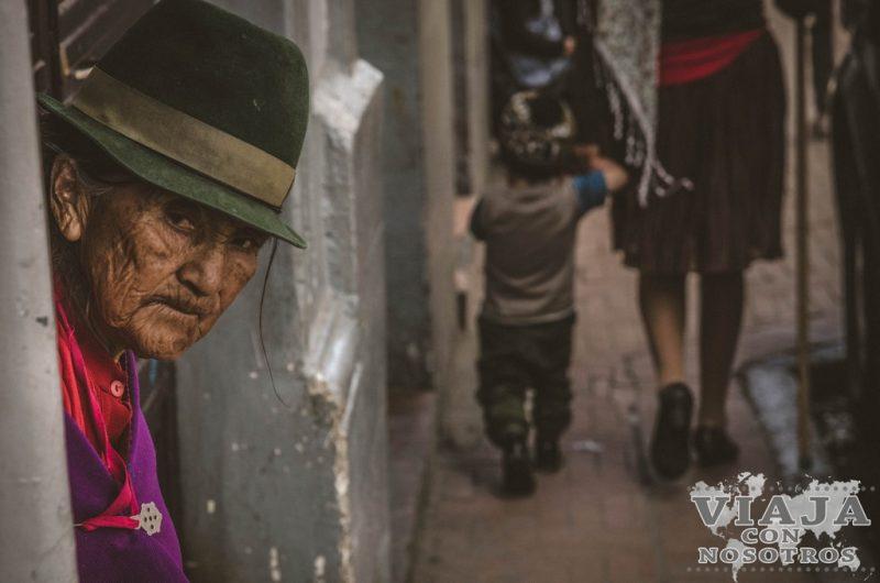Subir al panecillo de Quito