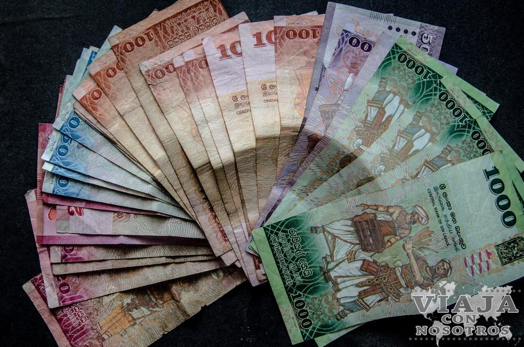 sacar dinero en Sri Lanka