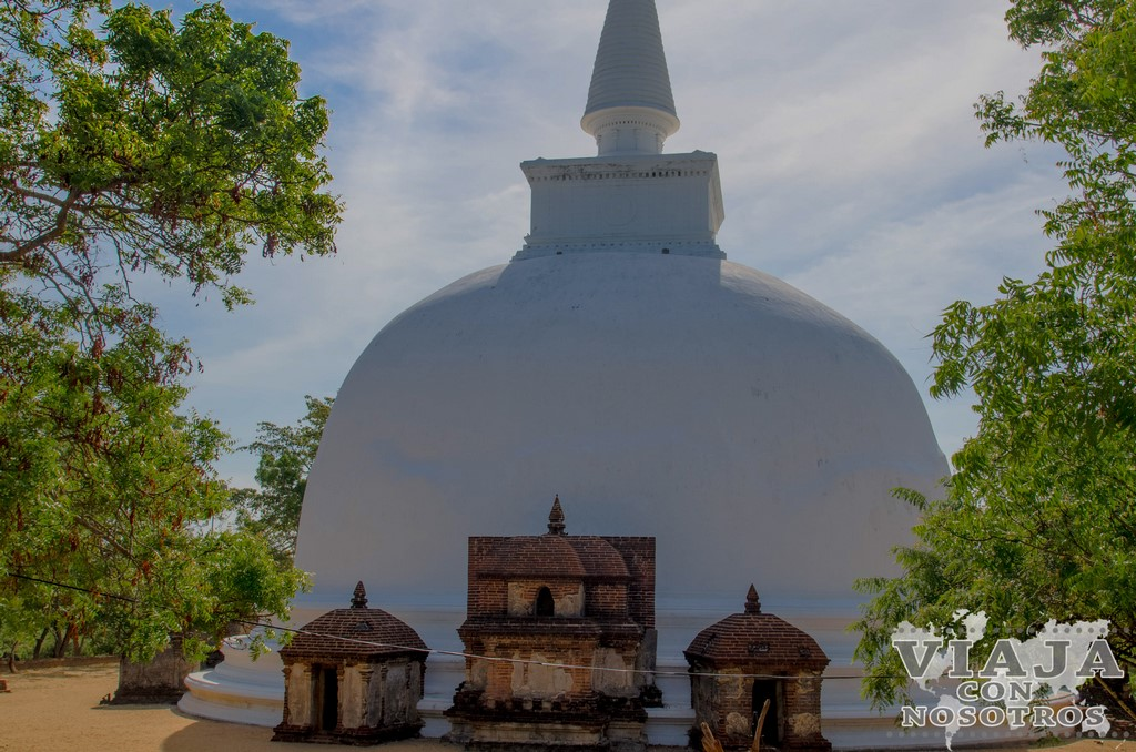 alahana parivena Polonnaruwa