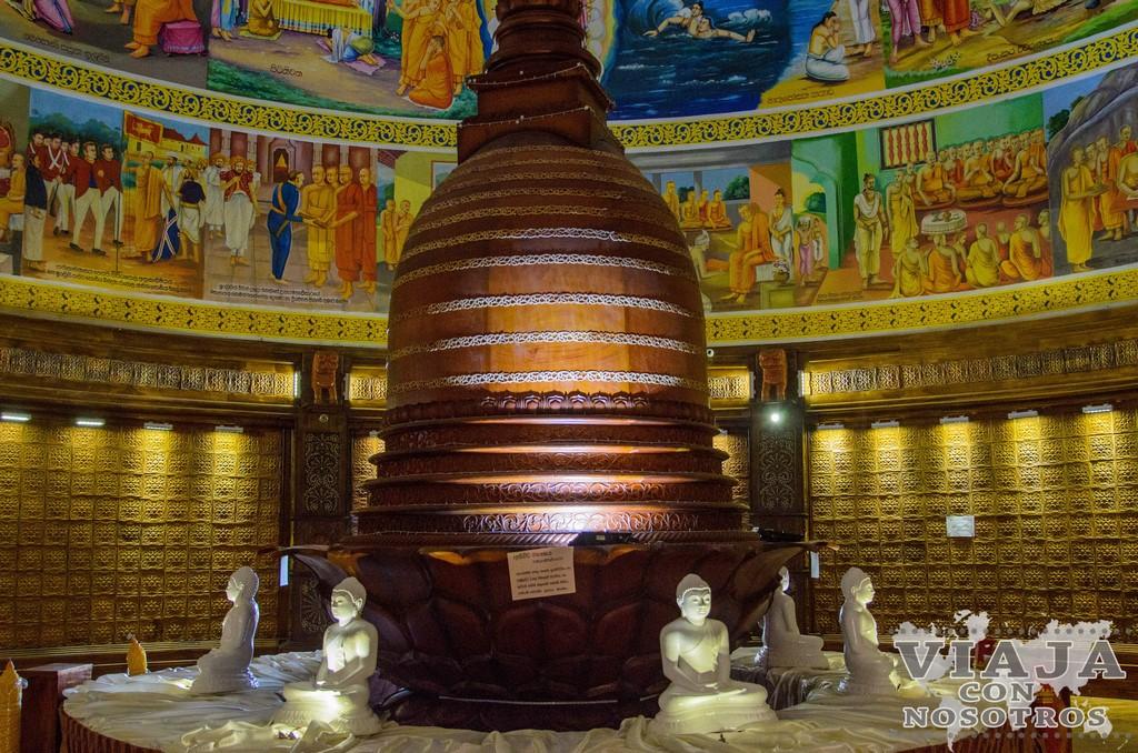 Estupa Asgiri maha Vihara Kandy