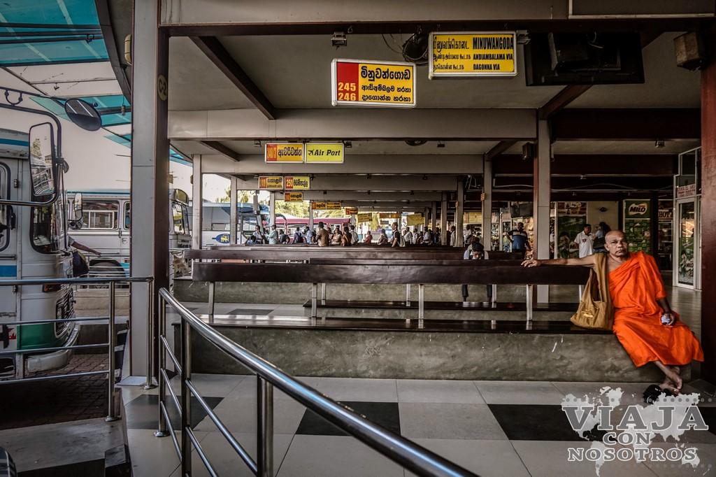 horario de atubouses para ir de Negombo a Anuradhapura