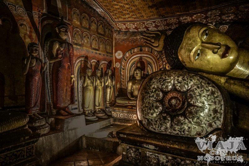 Pachima Viharaya Cuevas de Dambulla