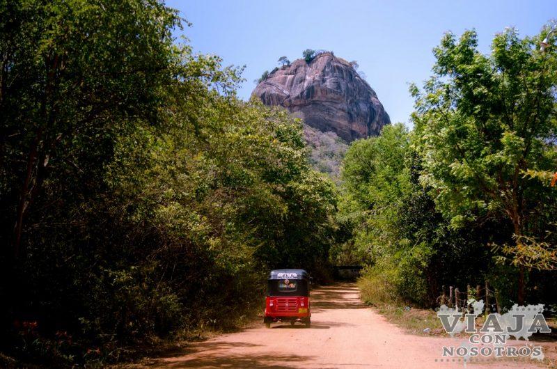 Pindurangala Royal Cave Temple
