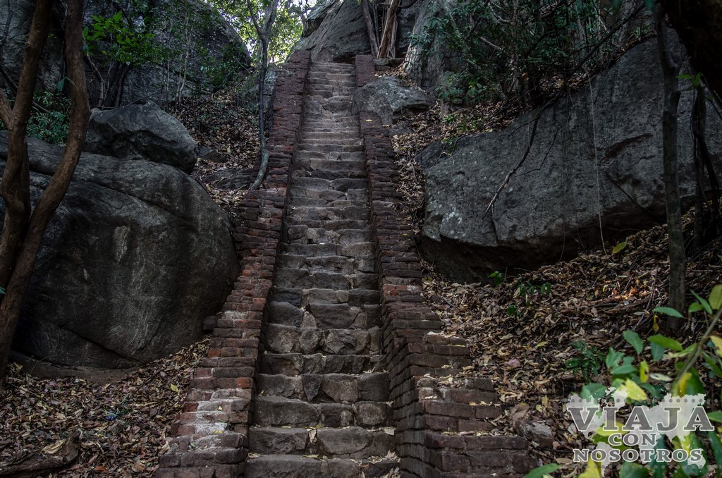 Visitar el templo de Pidurangala Rock
