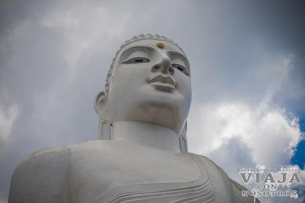 Como subir a ver el Buda de Kandy