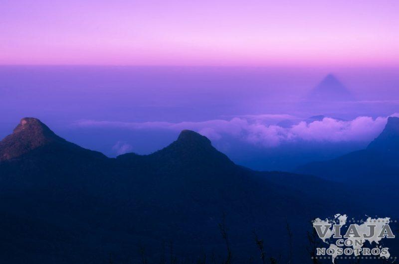 Cuantos escalones tiene el Pico Adan