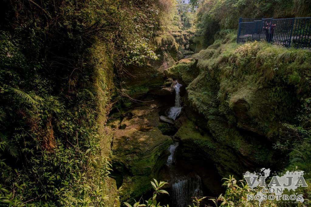 cascadas davis pokhara
