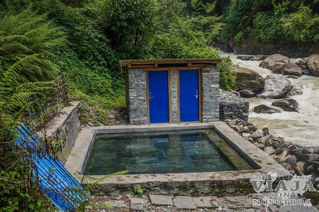 Como visitar hot spring jhinu
