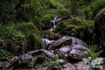 Es recomendable porteador para hacer el trekking de los Annapurna