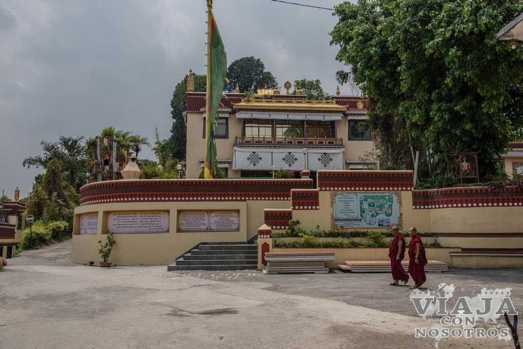Como debes vestir para entrar al Monasterio de Kopan de katmandú
