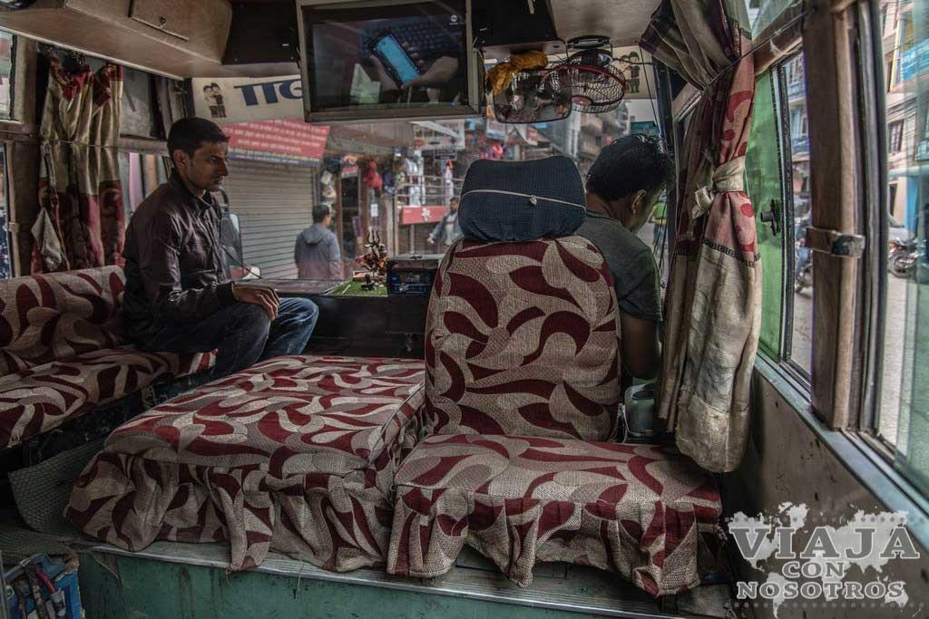 Autobús al barrio de Kirtipur