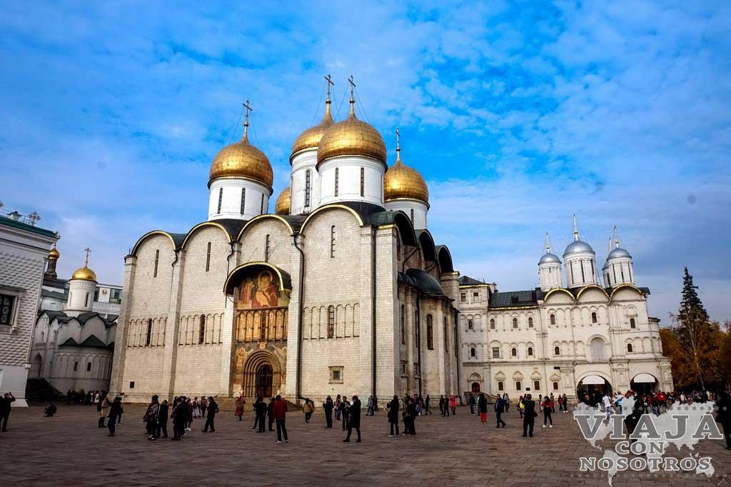 Cuanto dinero se gasta para visitar Moscú