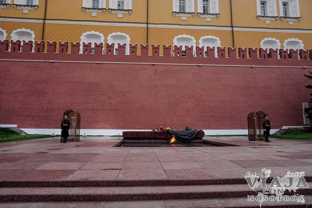 Tumba al soldado caído en Moscú