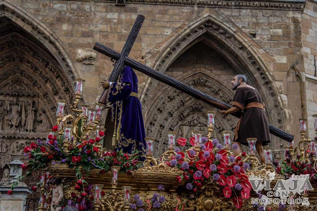 Nuestro Padre Jesús Nazareno, Pasos León