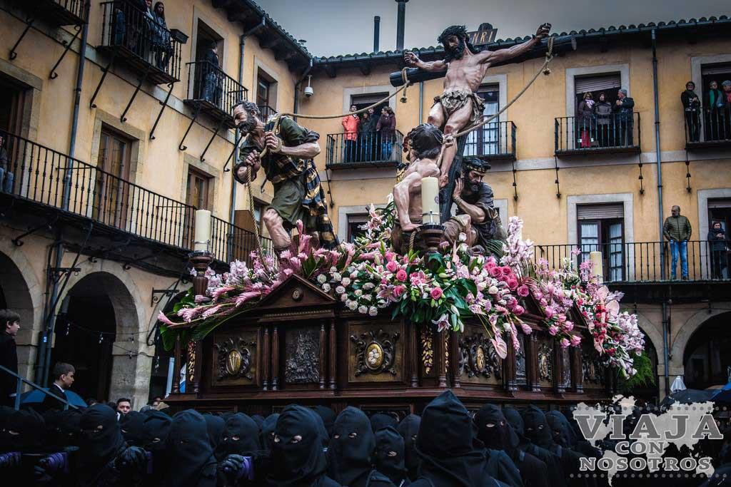 La Exaltación de la Cruz, Pasos León