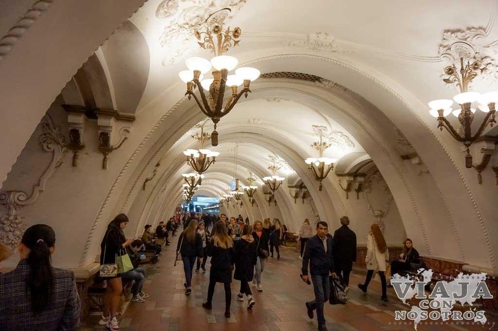 Las mejores estaciones del metro de Moscú