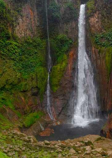 Que cascada es más bonita en Poas