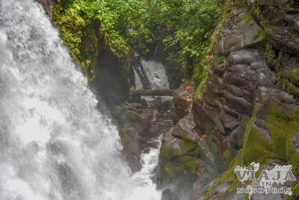 Cascada la Encantada en Poas
