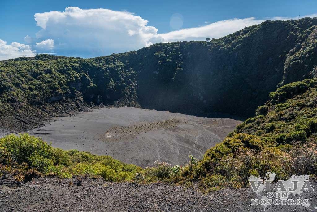 primer_crater_volcan_irazu